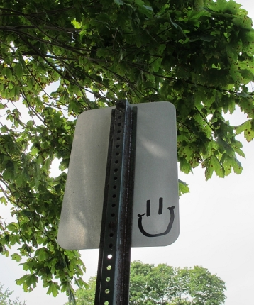 Maine is so friendly that signs even have smiles.